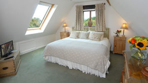 Sheepscombe Byre holiday cottage: The Green Room