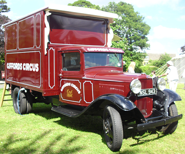 Giffords Circus red lorry