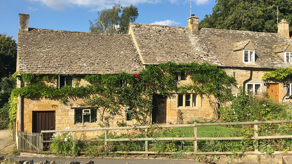 Sheepscombe Byre holiday cottage: The Old Post Office in Snowshill