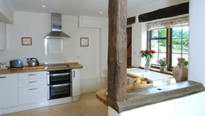Sheepscombe Byre holiday cottage: kitchen